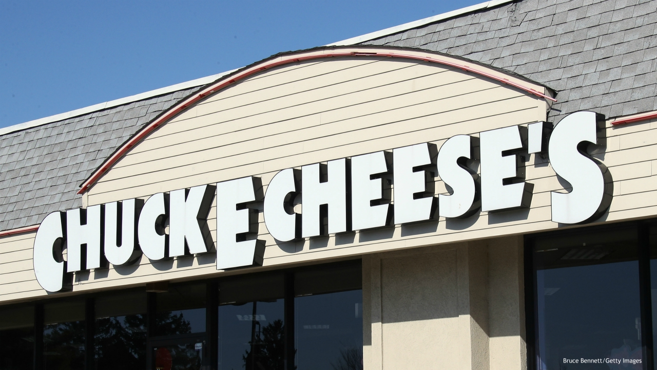 HICKSVILLE, NEW YORK - MARCH 18: An image of the sign for a Chuck E Cheese store as photographed on March 18, 2020 in Hicksville, New York. (Photo by Bruce Bennett/Getty Images)