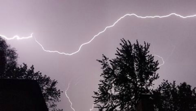 A picture of lightning at Vestaburg in Montcalm County. (Courtesy of DeHate Burggren Marlena)