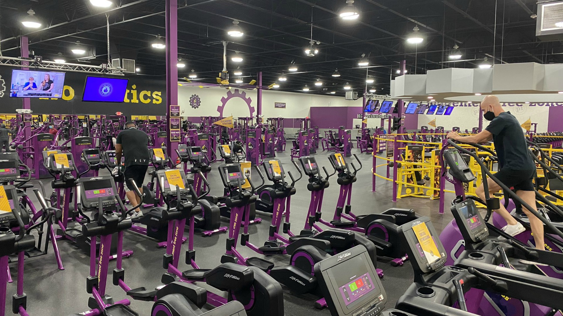 Gyms Reopen In Michigan With New Safety Measures Woodtv Com